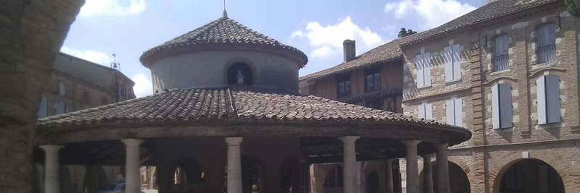 De ronde markthal in het dorp Auvillar in Frankrijk