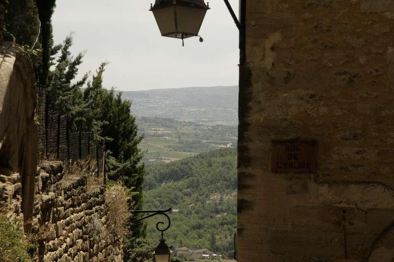 Gordes-vaucluse-provence-vaucluse-rue-de-leglise