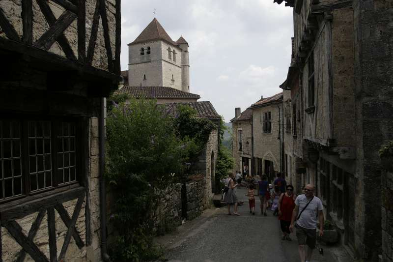 Saint-Cirq-Lapopie-lot-beaux-village-straatje
