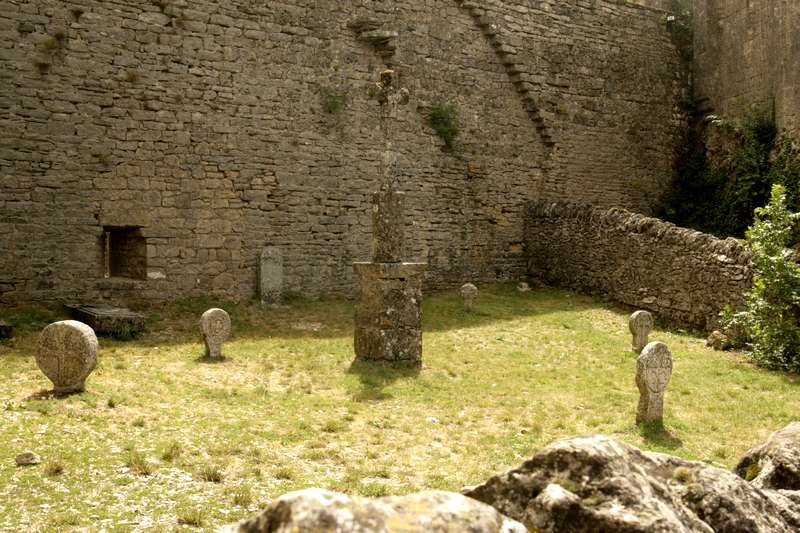 La-Couvertoirade-Aveyron-beaux-village-kerkhof-tempeliers