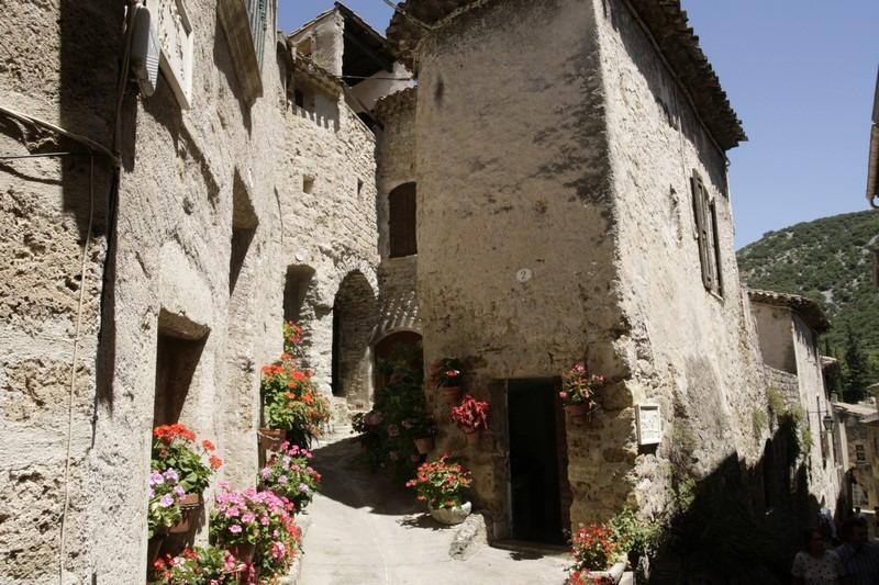 Saint-Guilhem-le-D-C3-A9sert-straatje
