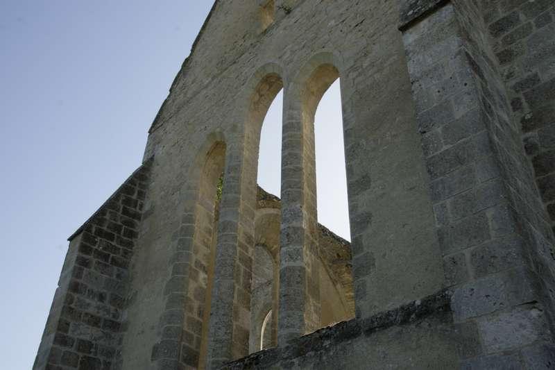 Y-C3-A8vre-le-Ch-C3-A2tel-loiret-centre-kerk-ruine