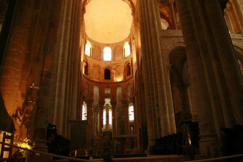conques-Aveyron-abdijkerk-interieur