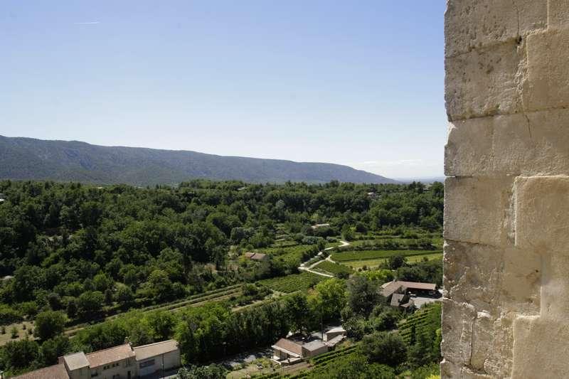 Uitzicht op het landschap van Menerbes in de Vaucluse