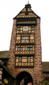 De Dolder is een toren met een poort in Riquewihr in de Elzas, Frankrijk
