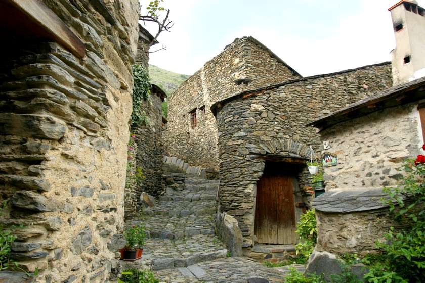 oude-huisjes-evol-dorp-frankrijk-les-plus-beaux-villages-de-france