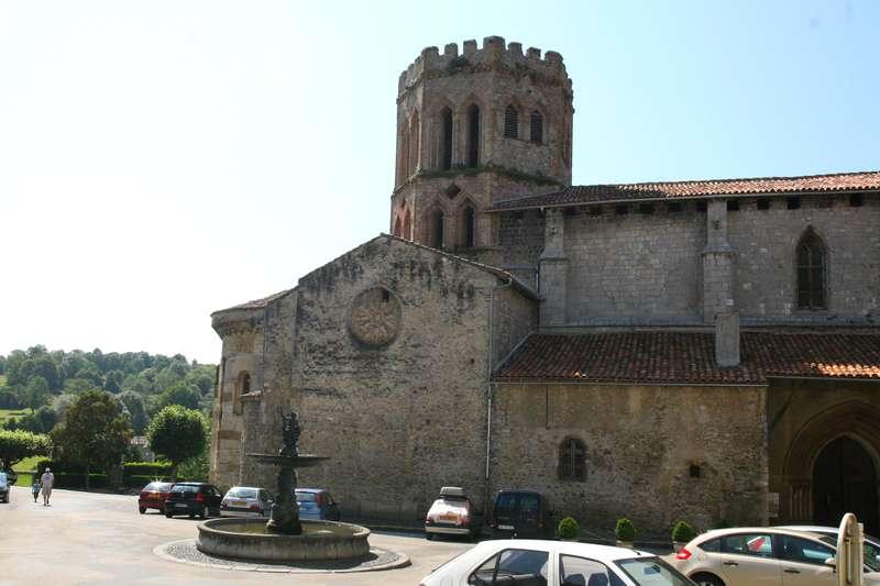 kathedraal saint lizier pyreneeen dorp frankrijk les plus beaux villages de france