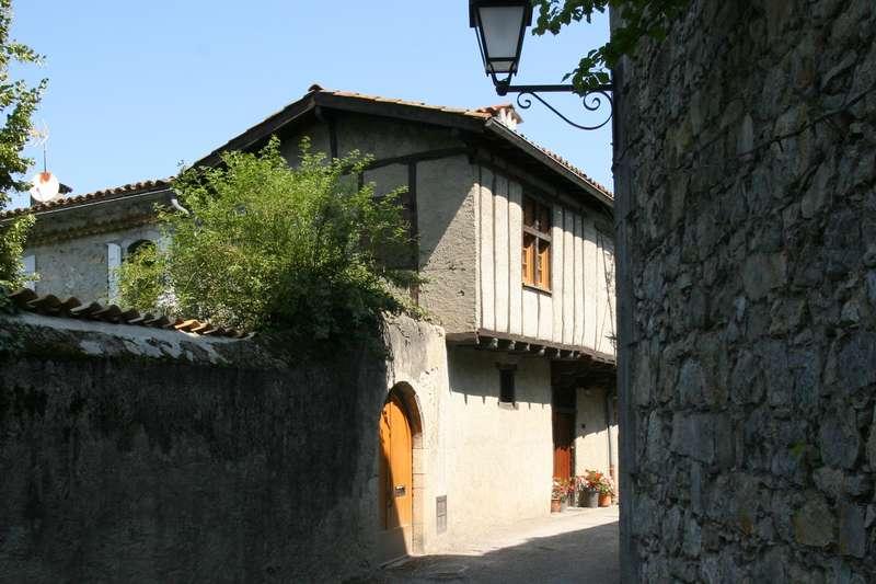 straatje saint lizier pyreneeen dorp frankrijk les plus beaux villages de france