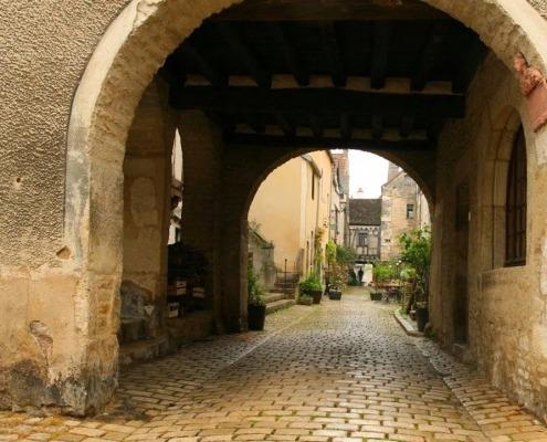 Noyers-sur-Serein-bourgondie-straatje