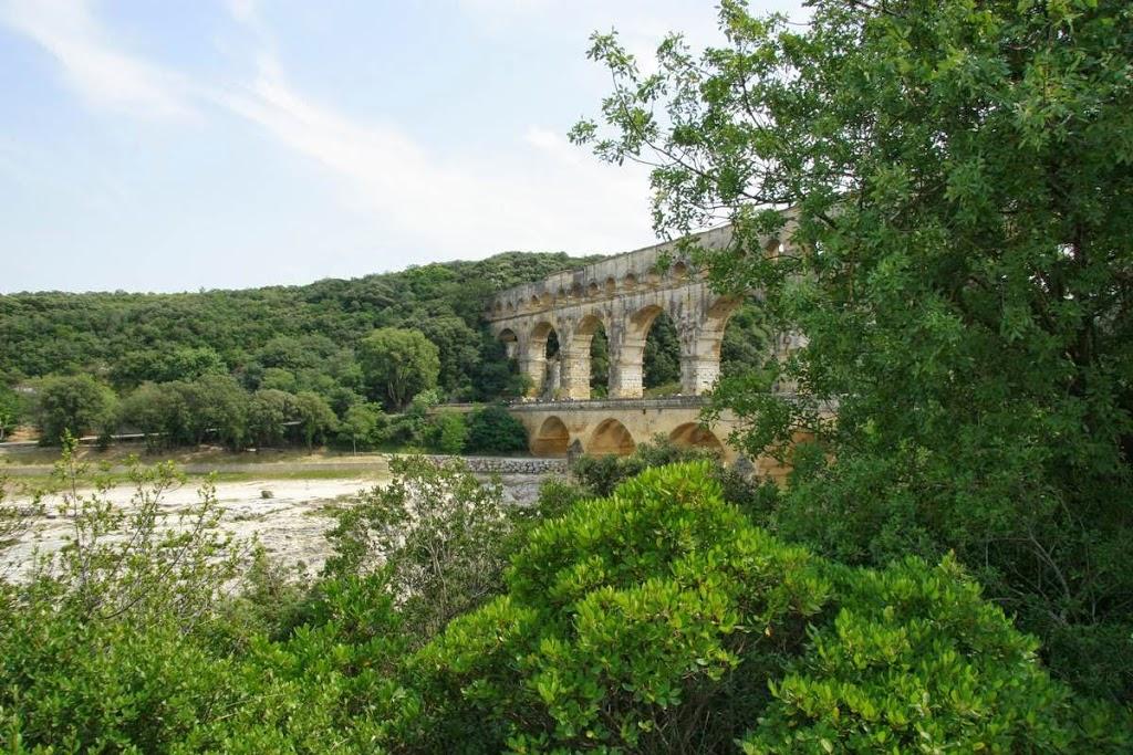 Pont du Gard over de rivier de Gardon in Frankrijk