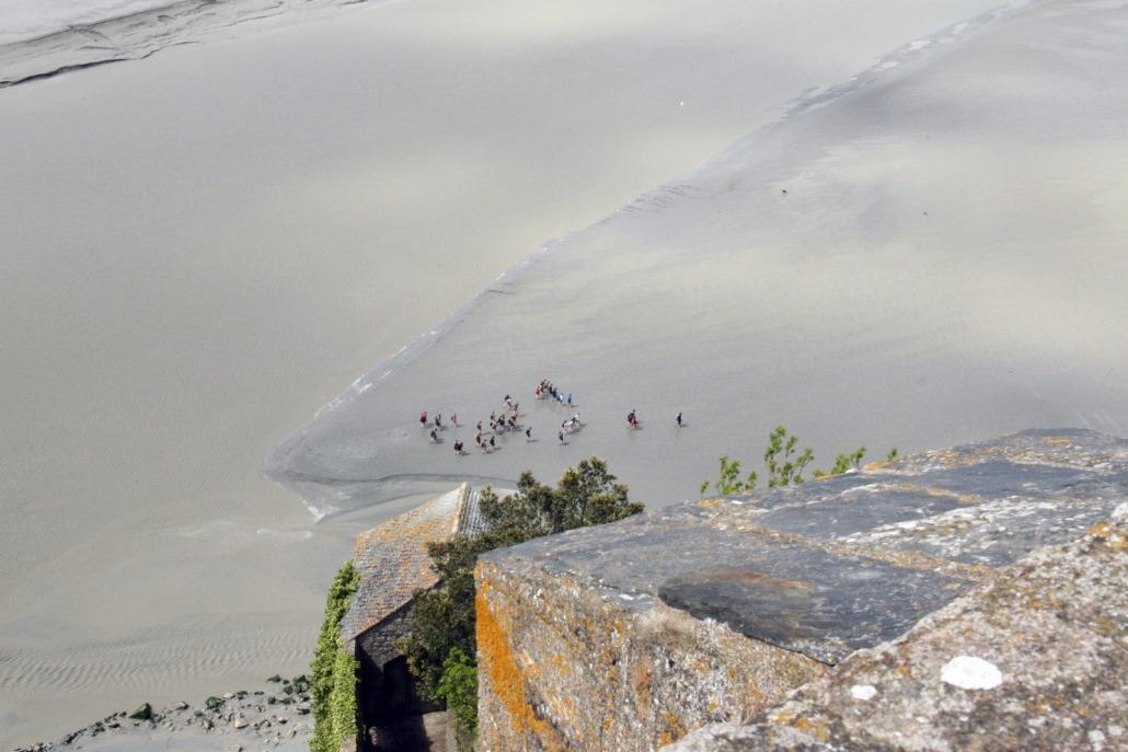 Wadlopers bij de Mont Saint Michel in Normandië, Frankrijk