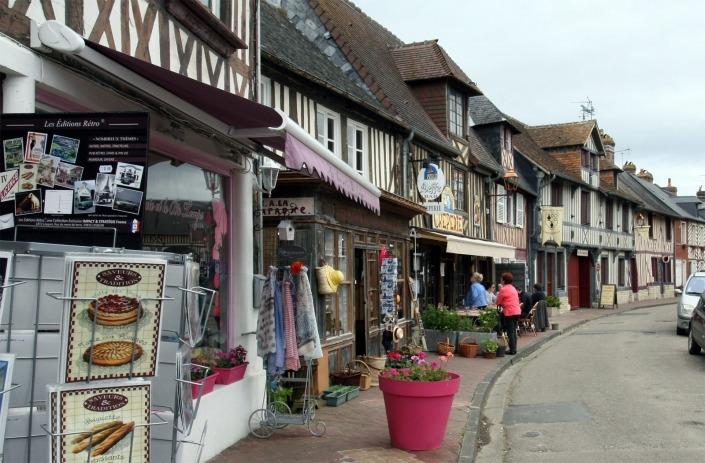 Vakwerkhuizen in het dorp Beuvron-en-Auge in Normandië Frankrijk