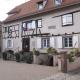 Het gemeentehuis of mairie van het dorp Mittelbergheim in de Elzas