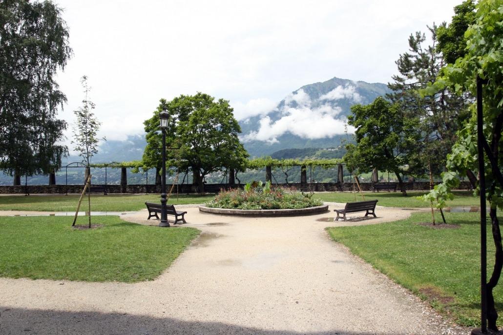 Park in Conflans, een middeleeuws dorpje in de Franse Alpen