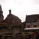 Het plein voor de kapel van Eguisheim waar vroeger het kasteel stond