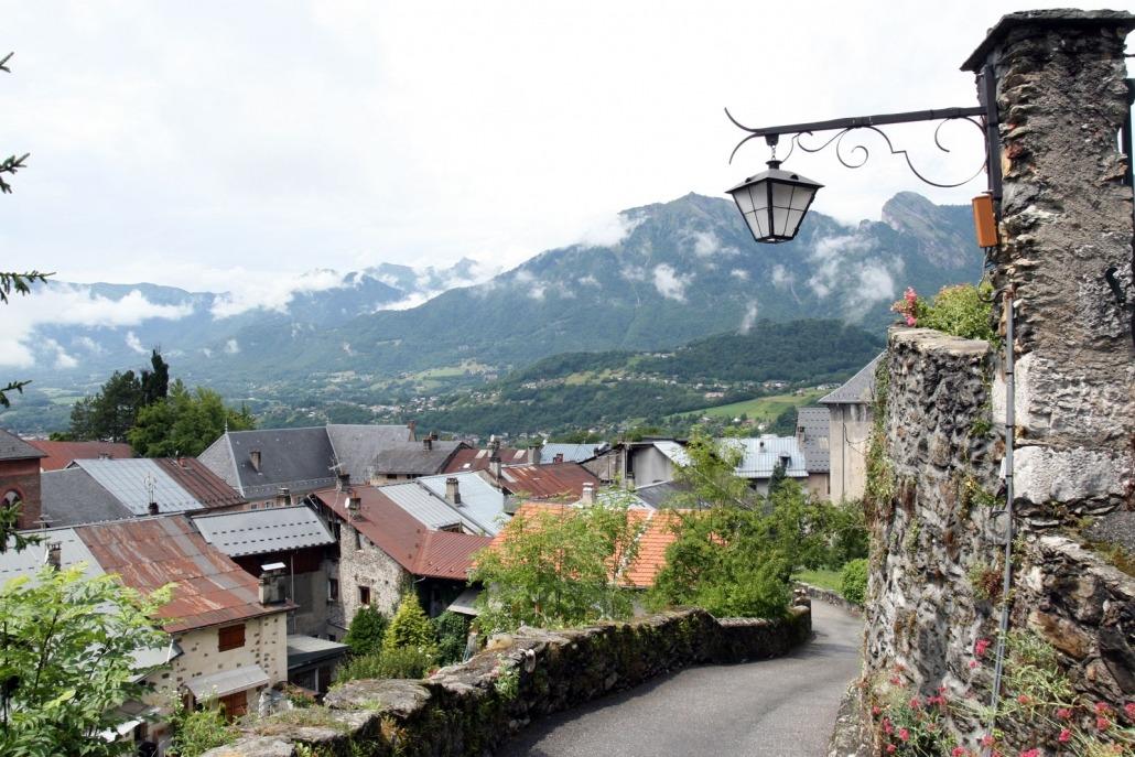 Uitzicht op Conflans in de Franse Alpen