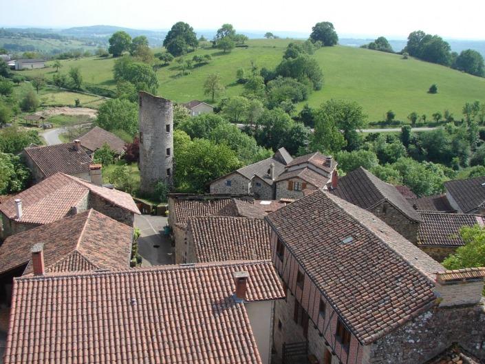 Cardaillac-Dorp-Frankrijk-Lot-toren-tour-de-Sagnes-uitzicht-heuvel
