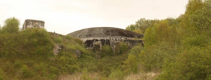 la-coupole-bunker-v2-raket-lanceerinstallatie-koepel-Helfaut-frankrijk-buiten