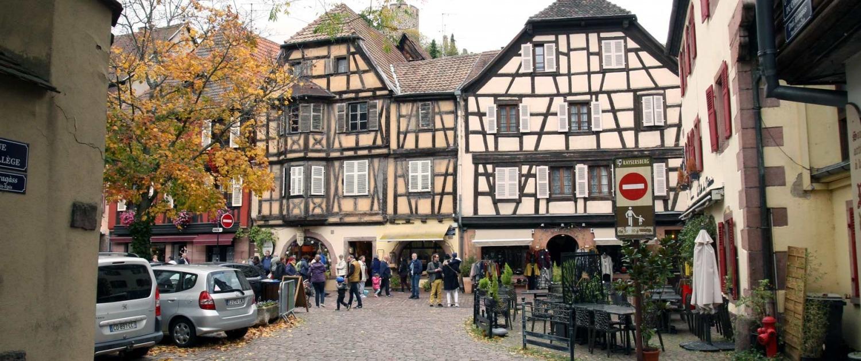 Pleintje in het centrum van Keyersberg in de Elzas, Frankrijk
