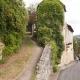 Steil straatje in het dorpje Limeuil in de Perigord, Frankrijk