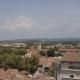 Uitzicht vanaf Arles op de Abdij van Montmajour