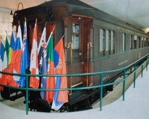 Een treinwagon van hetzelfde type waar in 1918 de wapenstilstand werd ondertekend en waarmee de Eerste Wereldoorlog tot een einde kwam