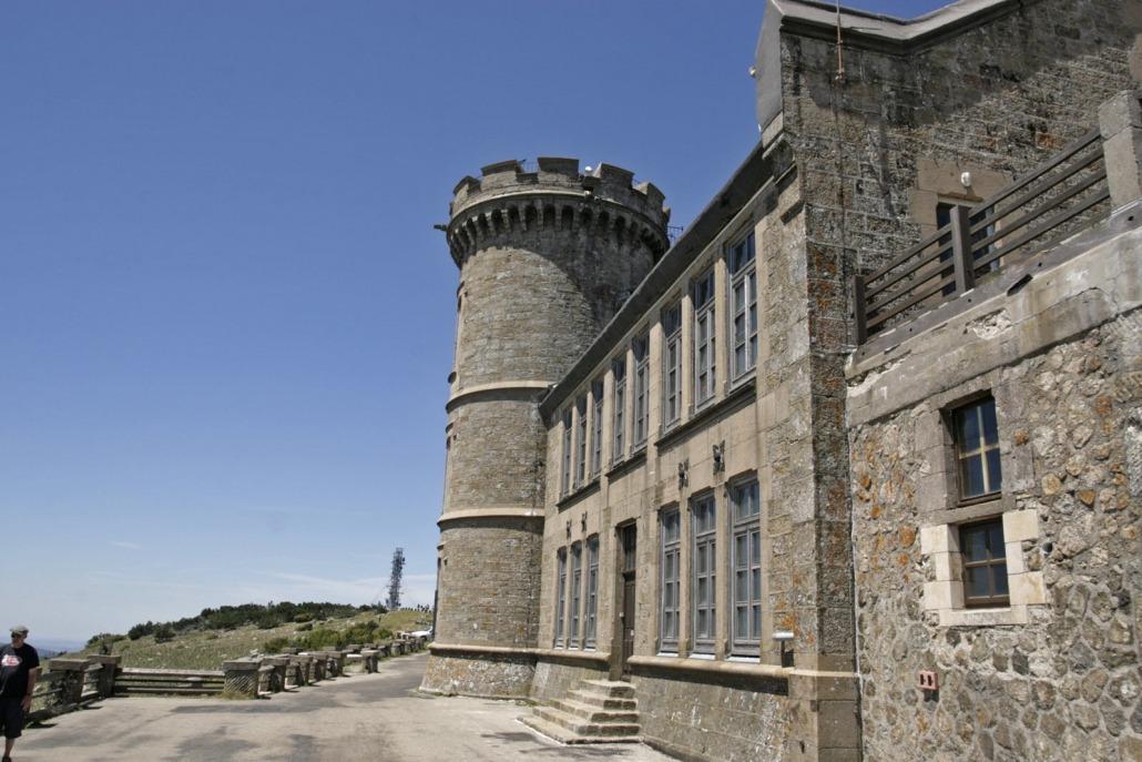 Mont Aigoual cevennen berg col top weerstation kasteelgebouw uitzicht zuiden frankrijk