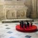 In één van de zijkapellen was een stukje moderne kunst te bewonderen, ook het altaar is er nieuw uit maar heeft een heel andere stijl.