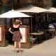 Terras bij een restaurant in Arles in Zuid-Frankrijk