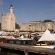 Nederlandse platbodem voor de toren van Aigues-Mortes