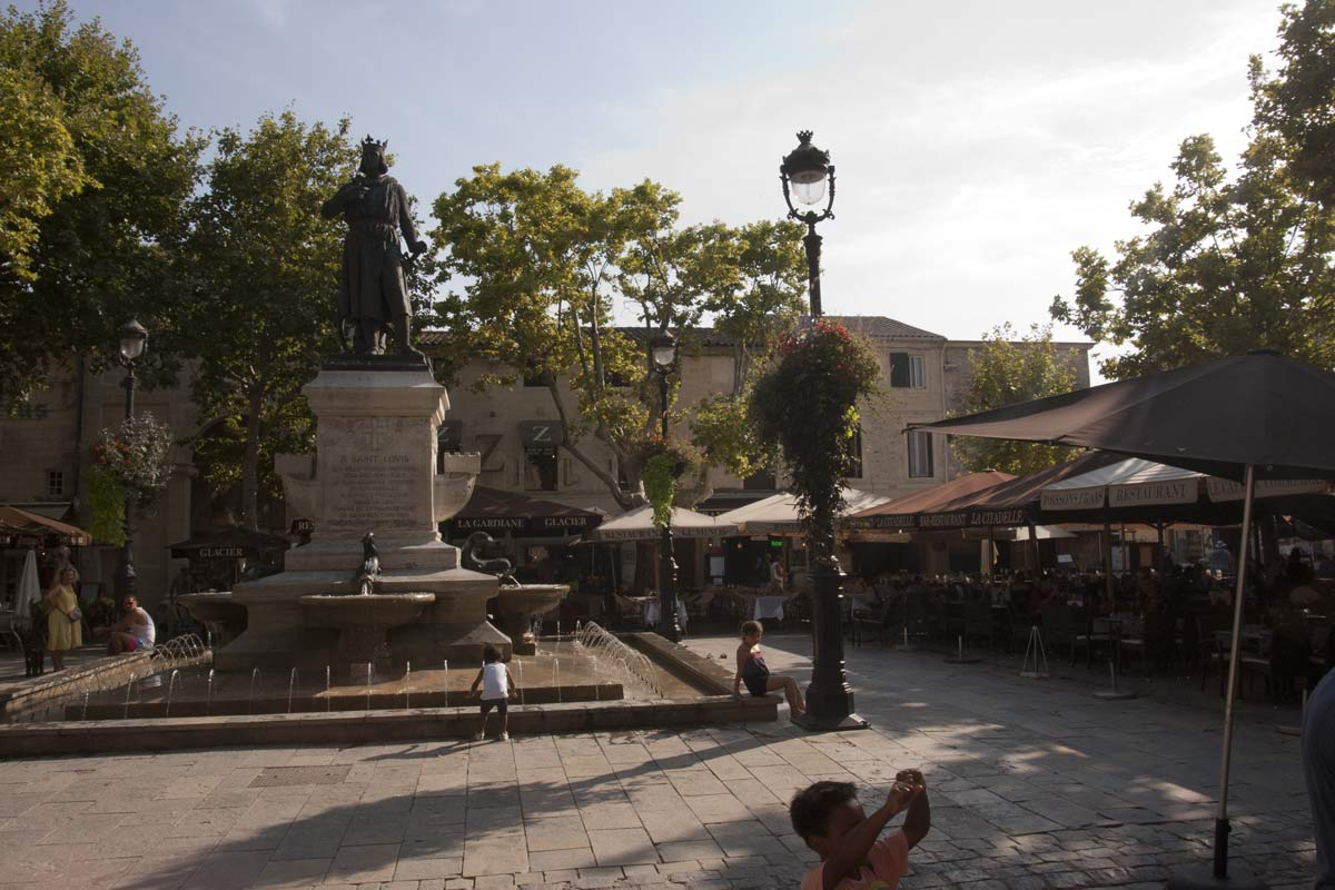 Place Saint Louis in Aigues-Mortes