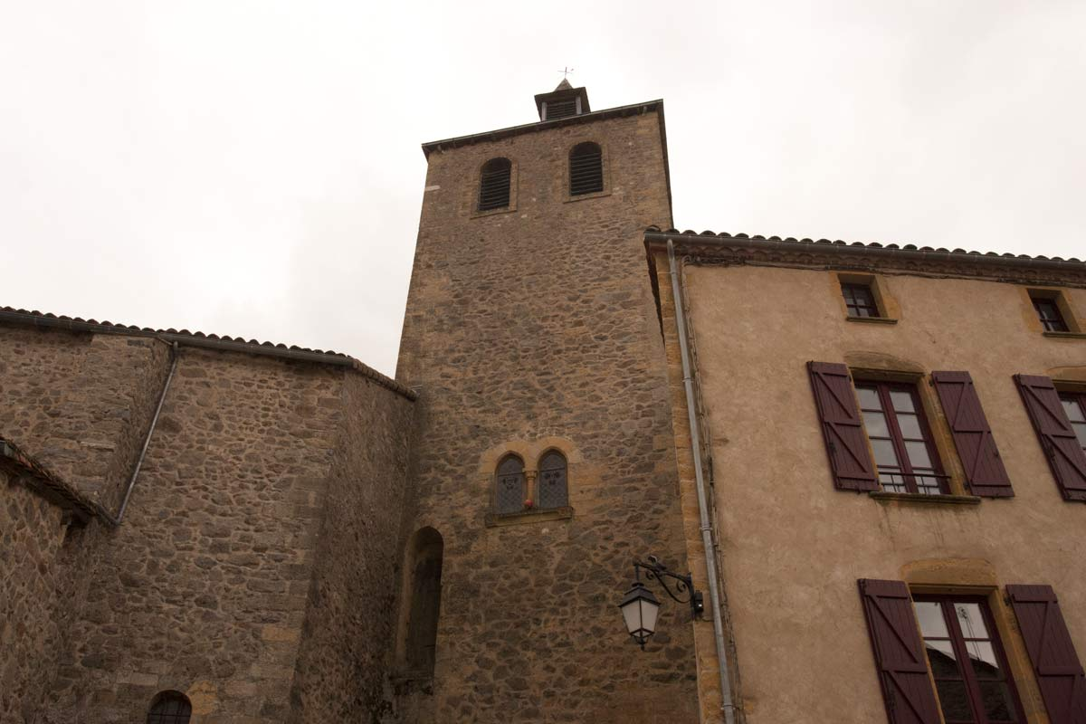 De kerktoren van Peyrusse le Roc