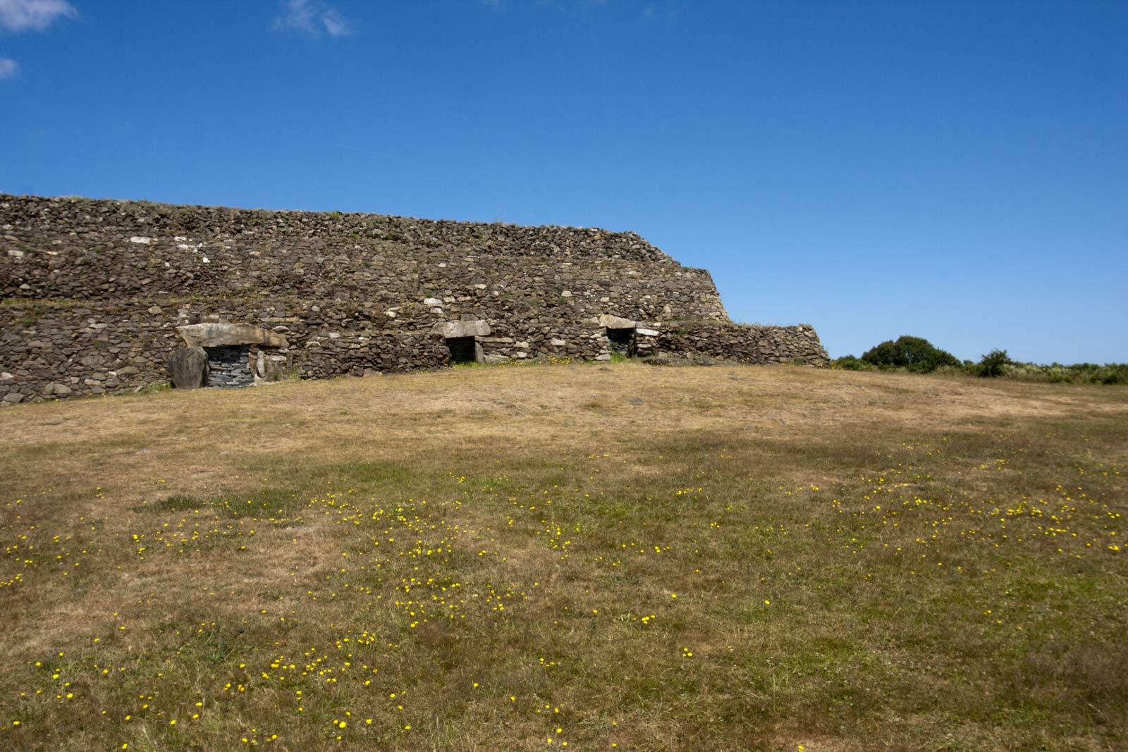 Het oudste deel van de Cairn-de-Barnenez in Bretagne