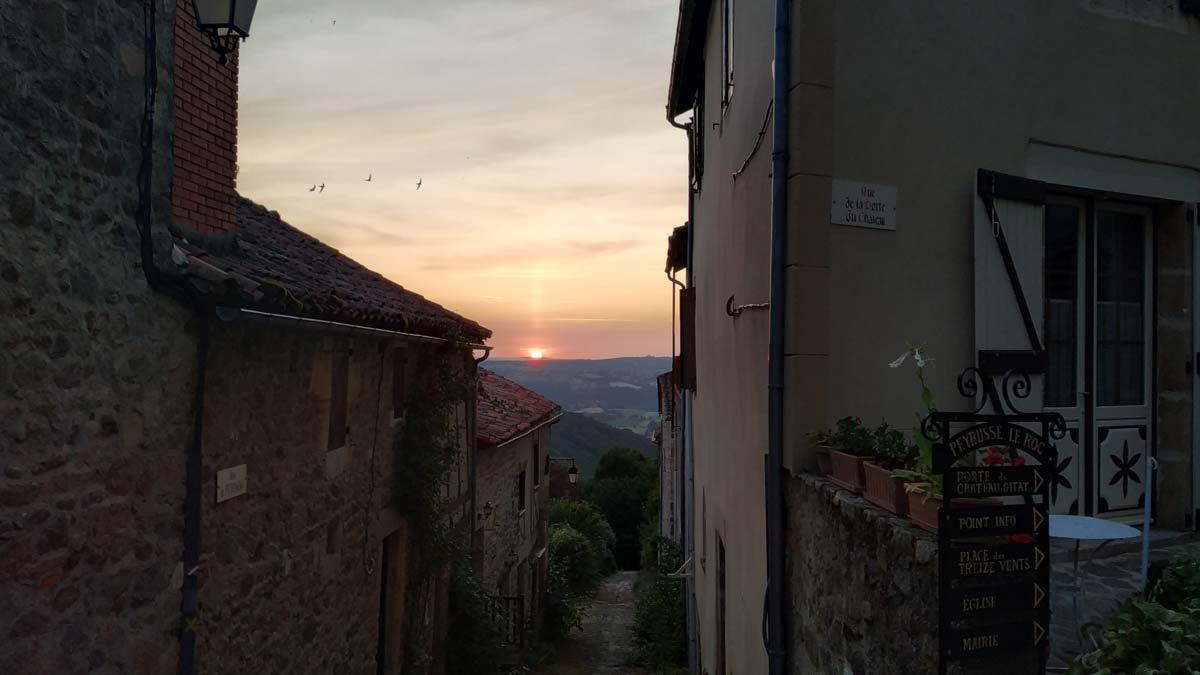 Zonsondergang in Peyrusse le Roc