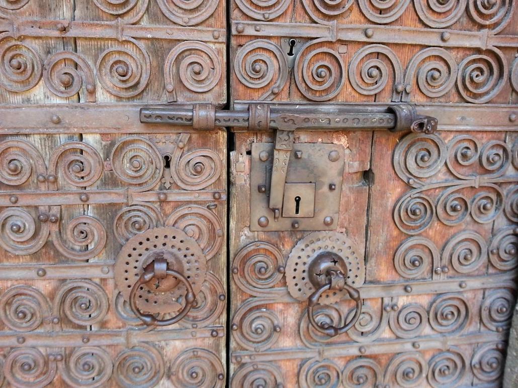 Deuren van de kerk van Prats de Mollo in Frankrijk