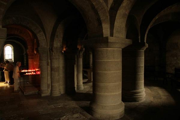 De crypte van de abdijkerk van Saint-Benoît-sur-Loire