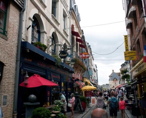 Straatje in Honfleur in Frankrijk